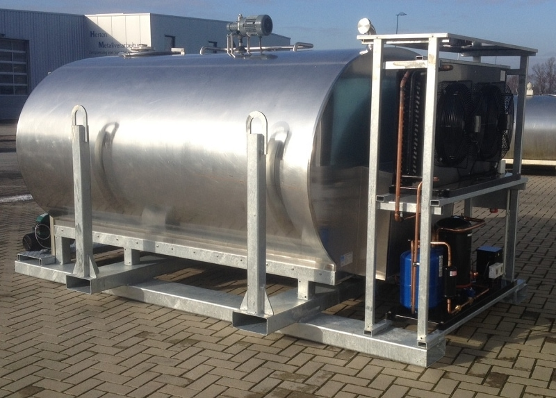 Drinking Water Tank with Fully Automatic Tank Cleaner