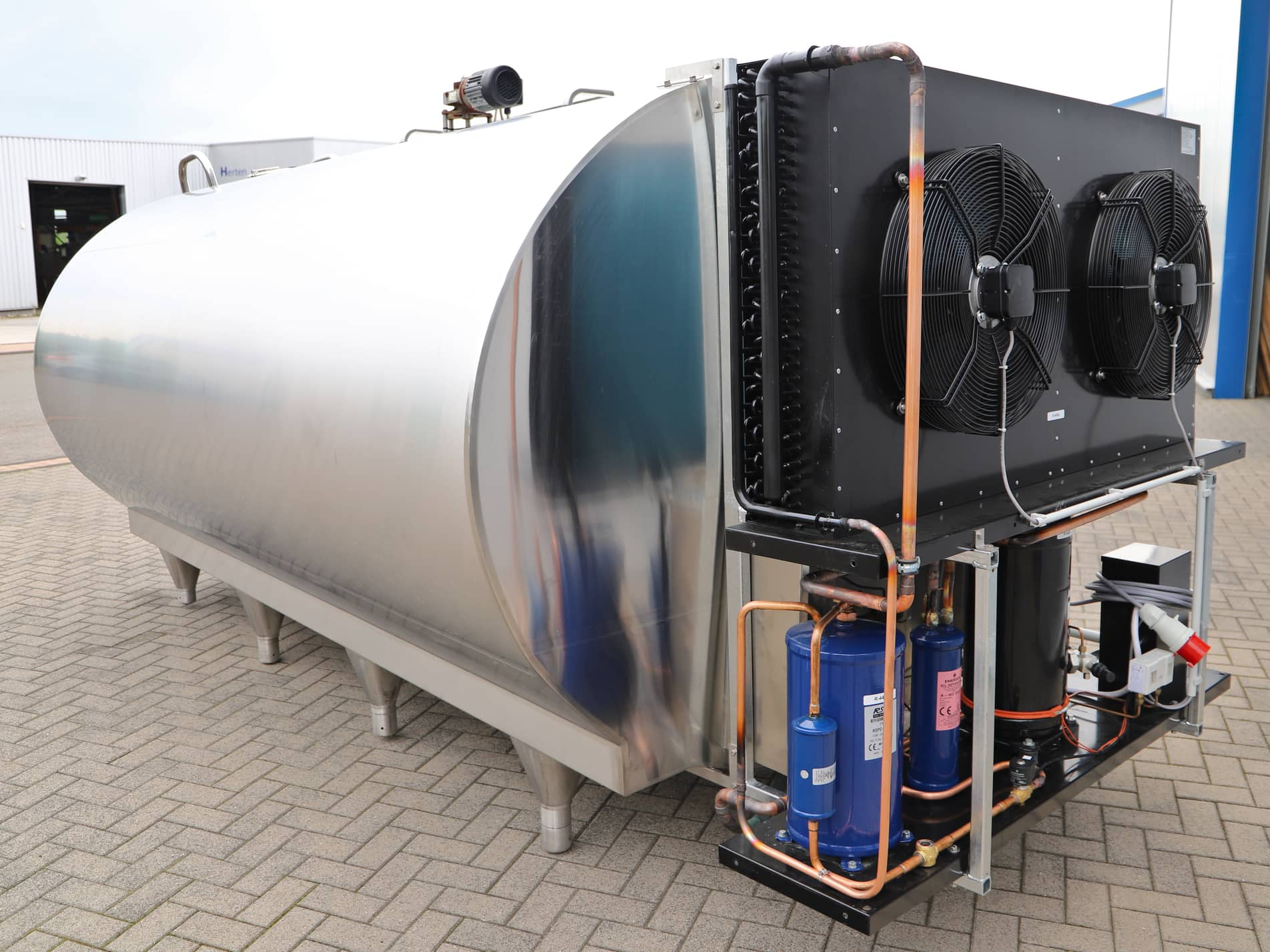 Used O-2250 Mueller Milk Cooling Tank