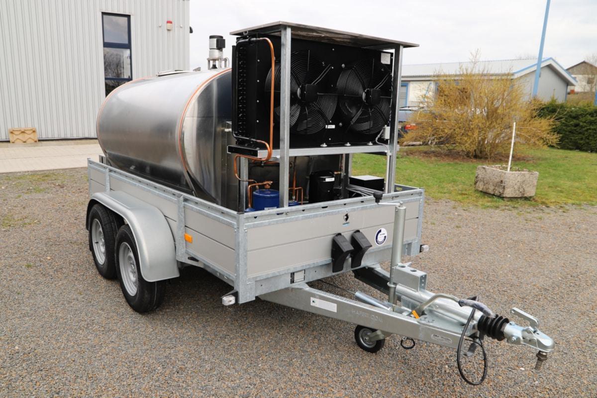 Cylindrical Mobile Bulk Milk Tank
